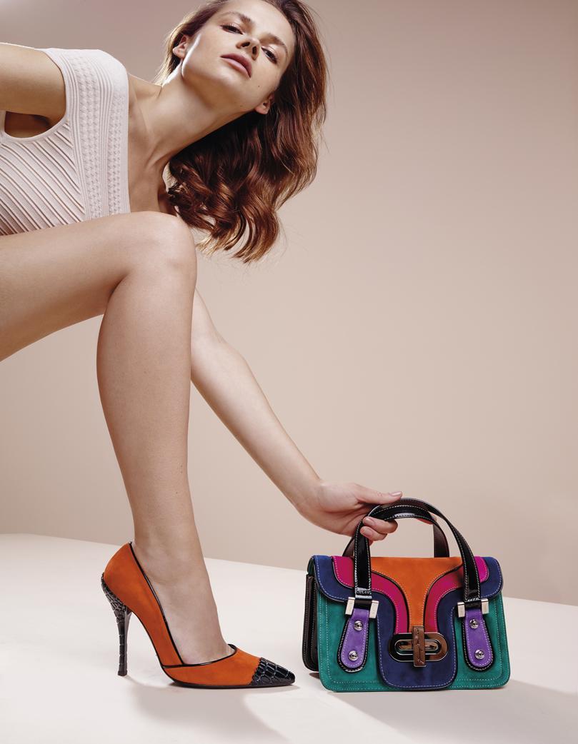 фотографии рекламы обуви таковым относится